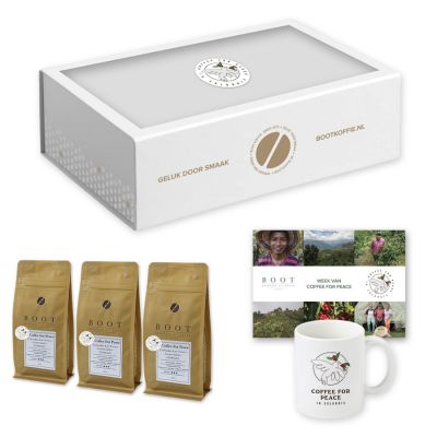 Coffee for Peace Gift Box - Finesse - 3-delig 250 gram Espresso met koffiemok