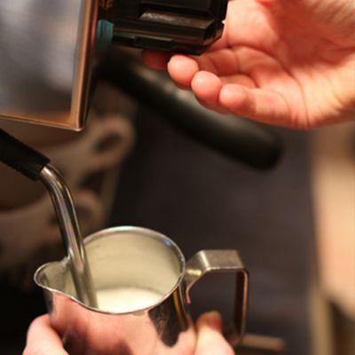 L 11 Workshop Latte Art - Zaterdag 8 augustus - Aanvang 13:30 uur - Boot Koffie Winkel Baarn